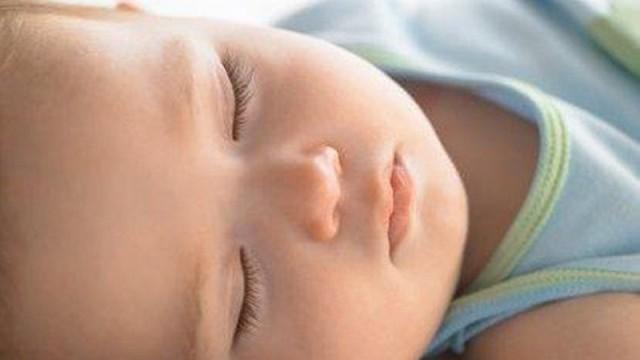 foto_bambino_che_dorme