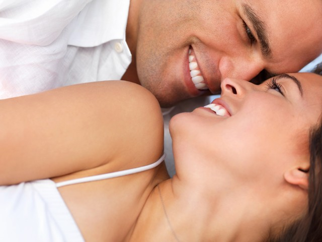foto _coppia_che _sorride