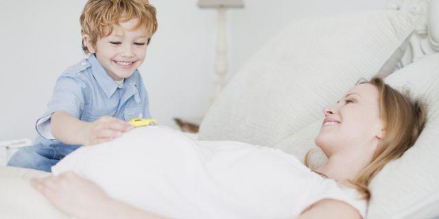 donna-incinta-e-bambino