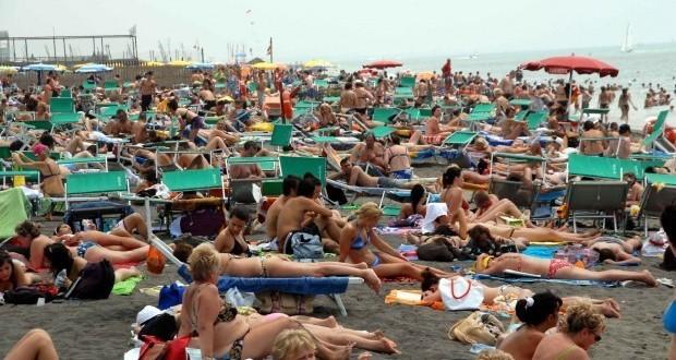 foto_spiaggia_affollata