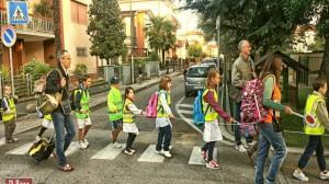 foto_piedibus_a scuola insieme a piedi