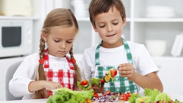 foto_bambini_alimentazione