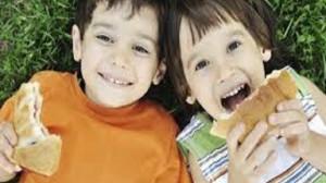 foto_fratello e sorella con età vicine