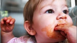 foto_mangiare_con_mani
