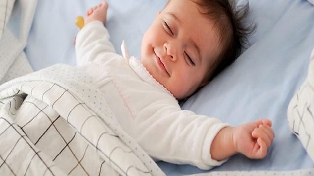 foto_bambina_dorme