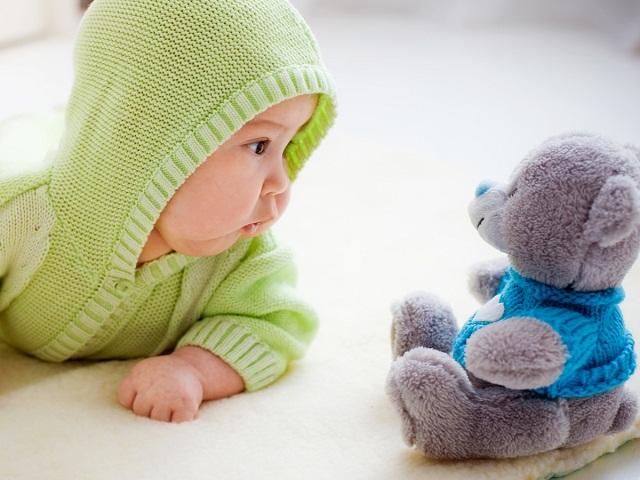 neonato 5 mesi