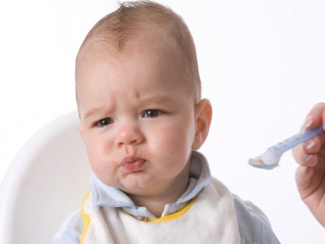 neonato non mangia