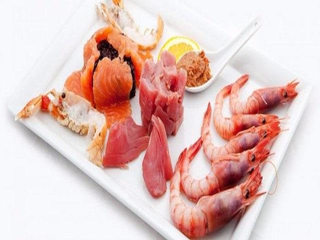 pesce crudo in allattamento