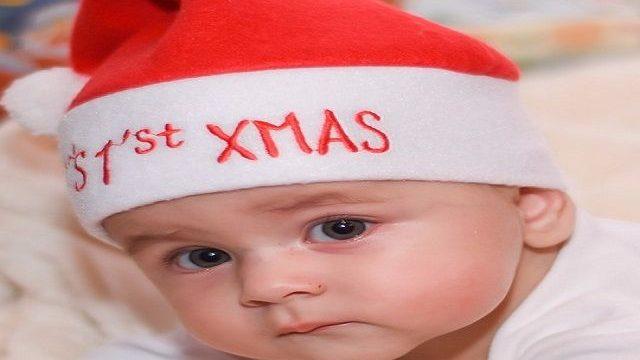 foto_neonato_con_cappello_natalizio