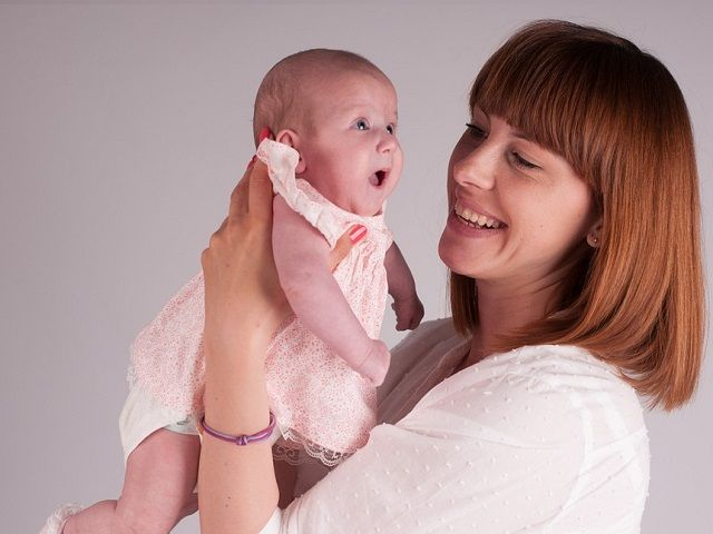 Come parlare al neonato: 5 cose che la mamma deve fare
