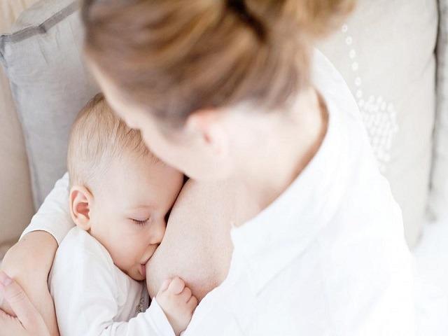 allattamento al seno montata lattea