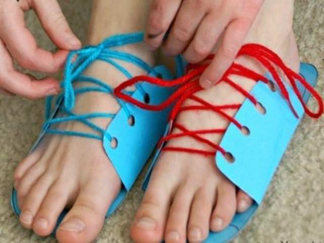 costruire scarpe