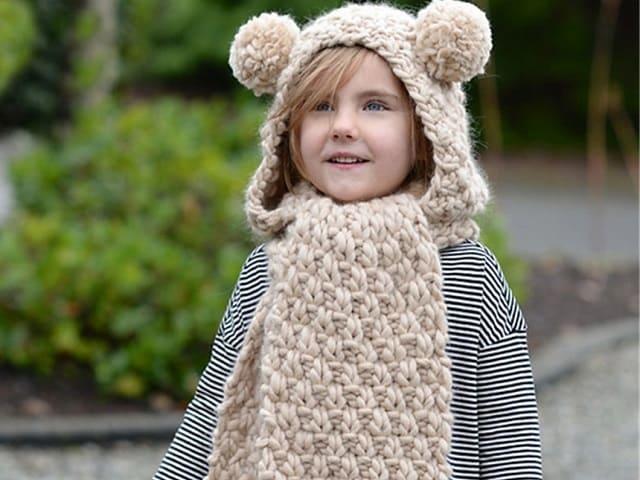 foto bambina con sciarpa e cappello