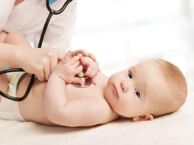 foto neonato visita