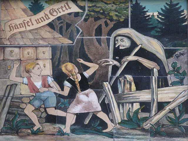 Foto Hänsel e Gretel scappano dalla strega