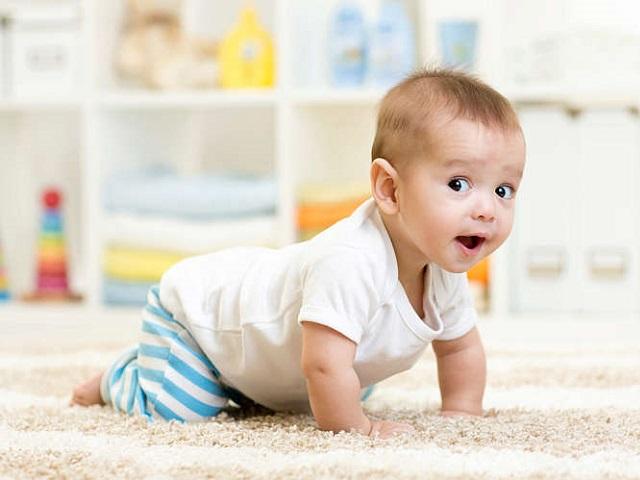 foto 9 mesi neonato