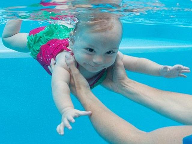 foto baby nuoto
