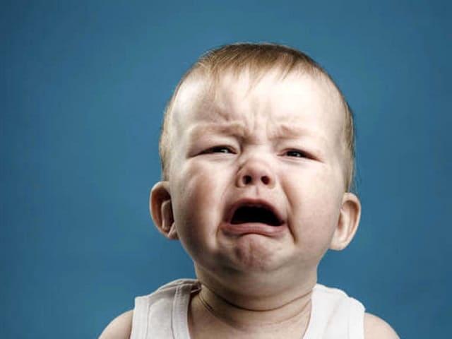 foto bambino che piange