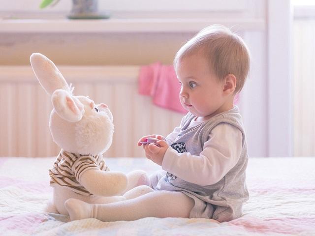 foto neonato 9 mesi