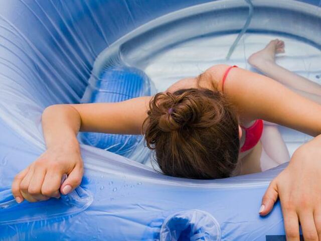 Foto piscina parto in acqua
