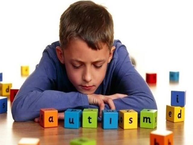 Foto autismo sintomi