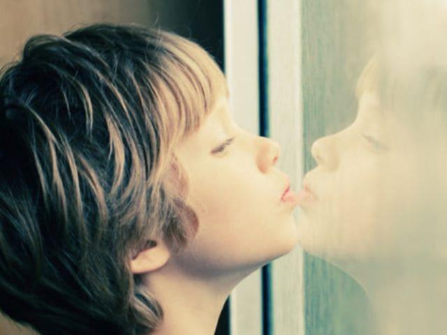foto autismo bambino