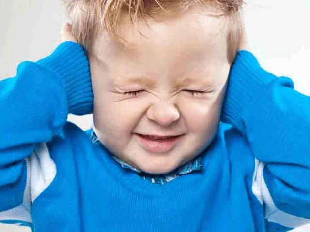foto autismo inquinamento bimbo