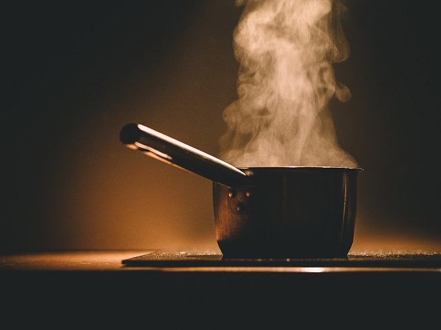 incidente cucina bambini ustioni